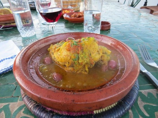 Riad Dar Guennoun: Chicken tagine - Dinner