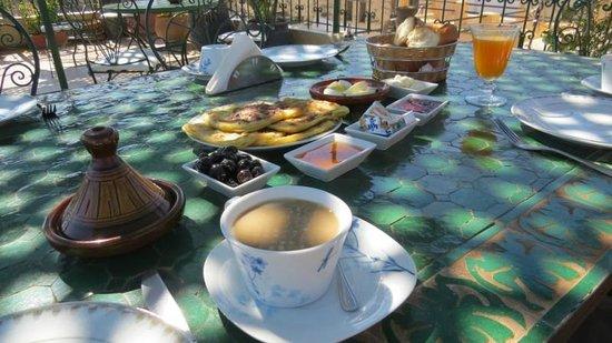 Riad Dar Guennoun : Breakfast
