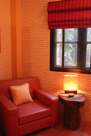 Thai Bamboo Guesthouse: Relaxing reading corner...