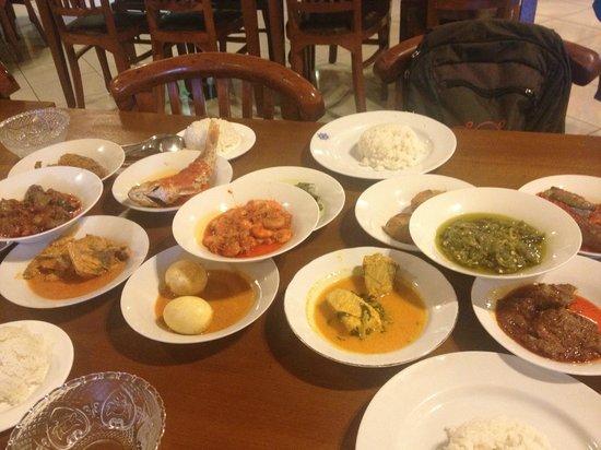 Natrabu Minang: food, glorious food