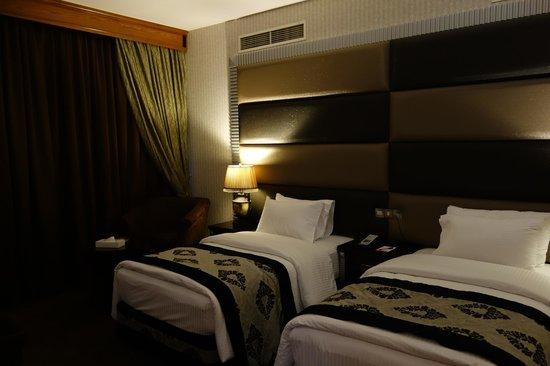 Abjar Grand Hotel: The dark room,