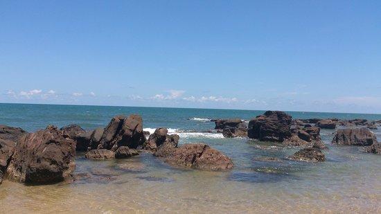 Mango Bay Resort: Rocky area