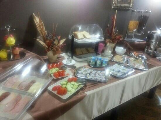 Levoslav House : Frühstück. Sehr dürftig..