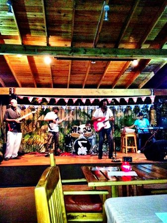 Seastar Inn: One love reggae show