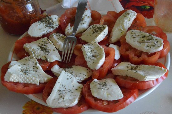 Casa Payer: Tomato and Cheese