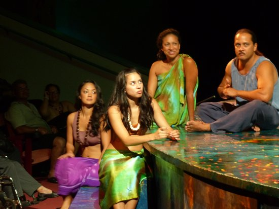 Ulalena by Maui Theatre : Listening to other cast members