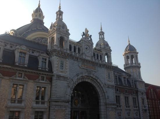 Leonardo Hotel Antwerpen: Een onderschrift toevoegen