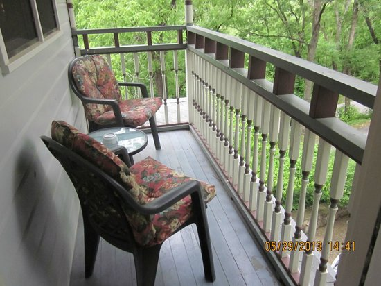 Arsenic and Old Lace Bed & Breakfast Inn: Deck off Monet Room