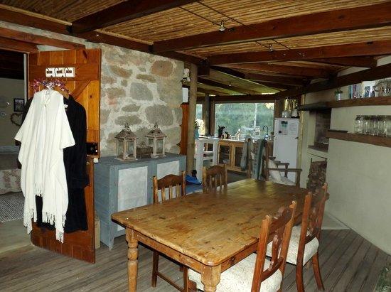 Oakhurst Farm Cottages: Dining area