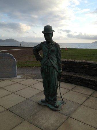 Smuggler's Inn: Charlie Chaplin Statue - Waterville