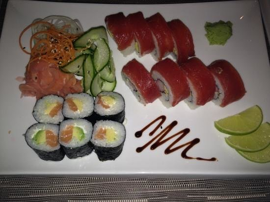 Mama's Panasian Restaurant: sushi plate