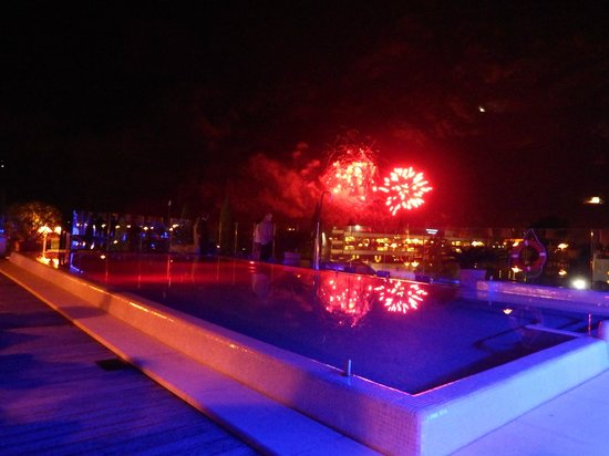 Hotel Kristal Palace - Tonelli Hotels: Riva fireworks over the Kristal