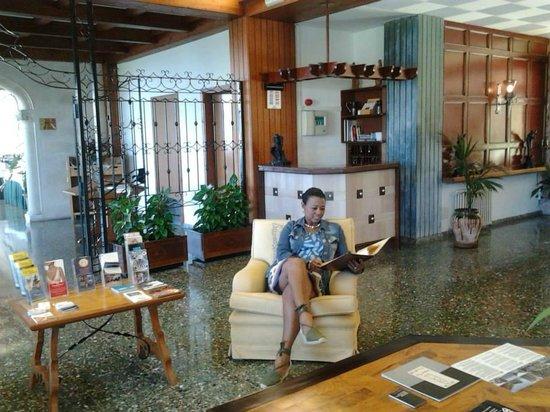 El Encinar Valldemossa Hotel: Salon recepción
