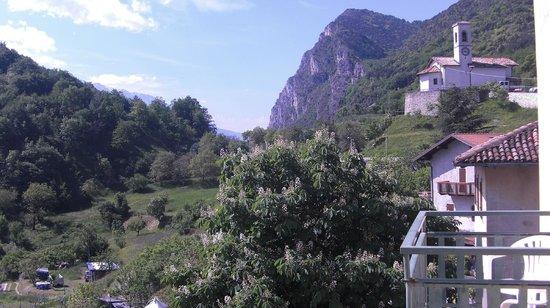 Panorama: Blick vom Hotel mal nicht auf den See...