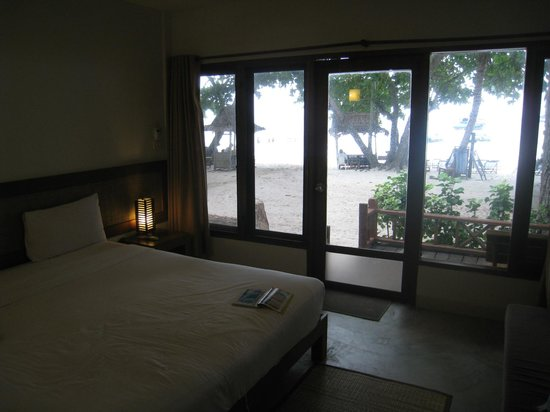 Samed Cabana Resort: Front beach room
