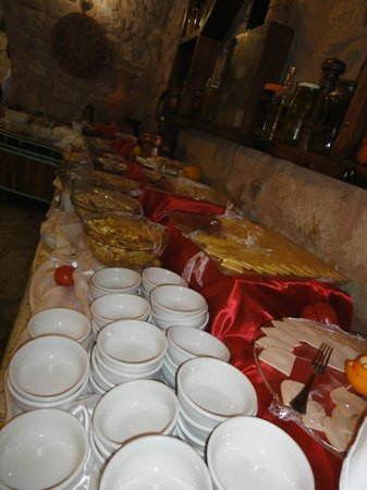 Taybet Zaman Hotel and Resort : Buffet spread