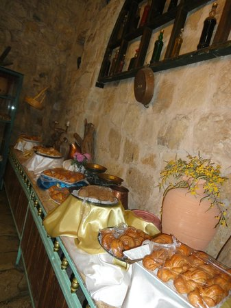 Taybet Zaman Hotel and Resort : buffet spread