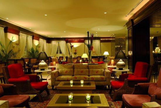 Al Nafoura Lobby Bar & Terrace