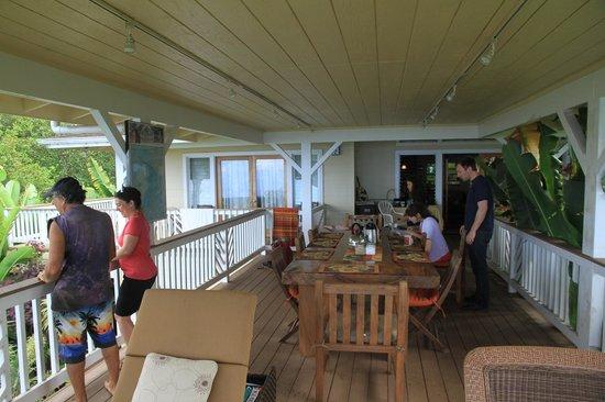 Lilikoi Inn: Terrasse