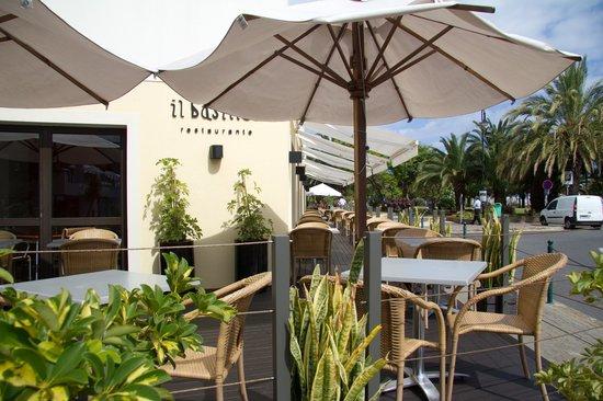 Il Basilico : Outside dining area