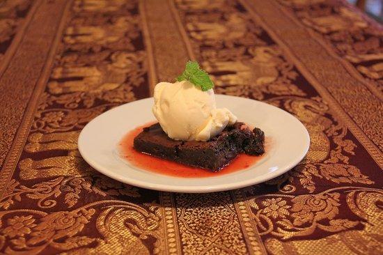 Manohra Cozy Restaurant : Chocolate cake