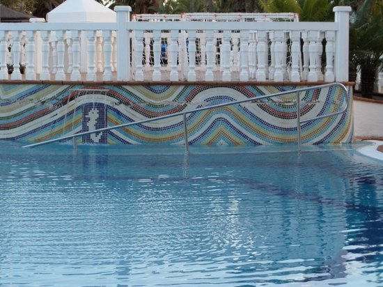 Sol Lanzarote All Inclusive: Pool Ramp with Rail