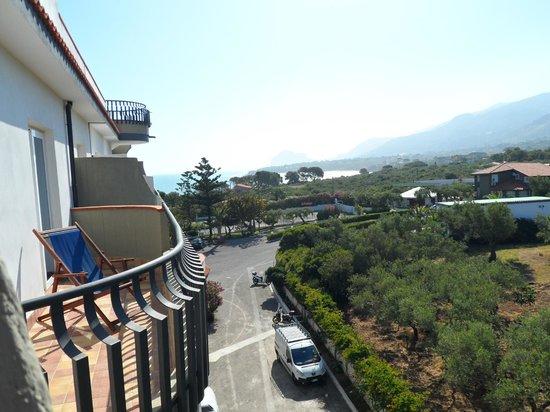 Carlton Hotel Riviera: vue de la chambre