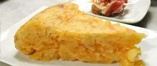Ruta de Tapas: Tortilla de patatas ( Spanish omelette