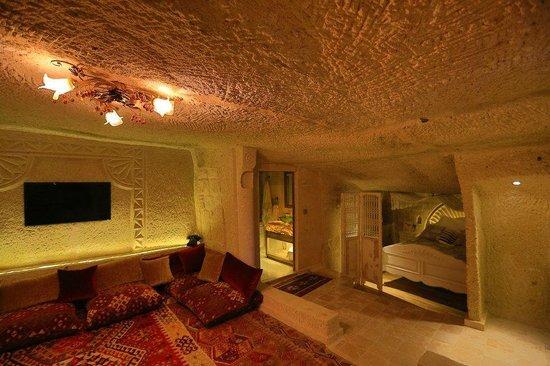Iris Cave: ICC