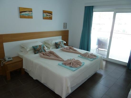 Mozaik Boutique Hotel Rooms & Apartments: Our swim up hotel room