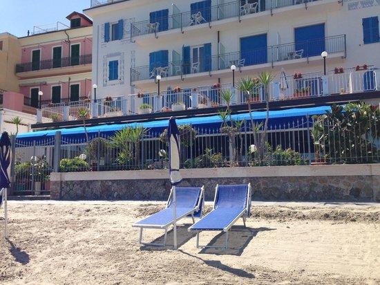 Hotel La Balnearia: Strandbereich vor dem Hotel