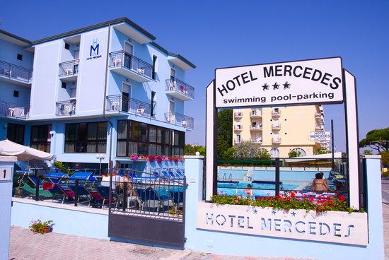Hotel Mercedes : A 5 metri dalla spiaggia