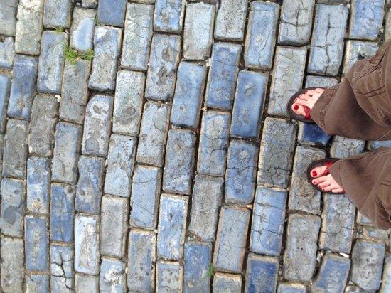 Calle del Cristo: Beautiful blue stone street but MODERN per our local tour guide.