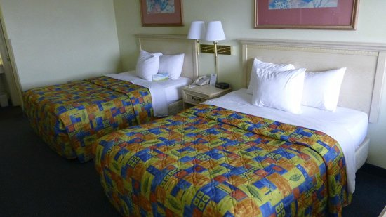 Days Inn Pensacola Beachfront: Betten waren bequem