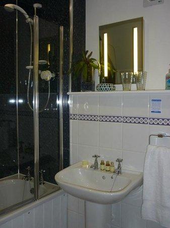 Bagbury Byre: Bathroom