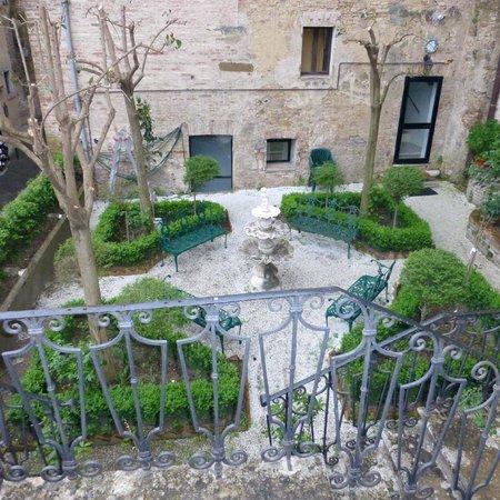 Il Casato Residenza d' Epoca bnb : Jardin