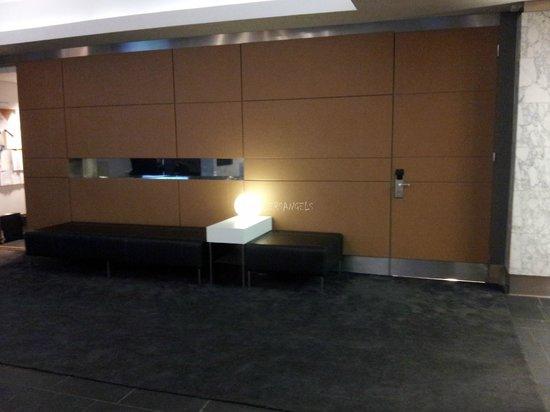 Radisson Blu Plaza Hotel, Helsinki: lobby