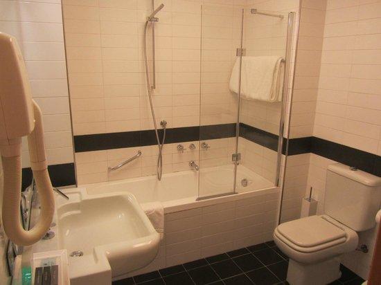 Hotel Dei Cavalieri: Banheiro.