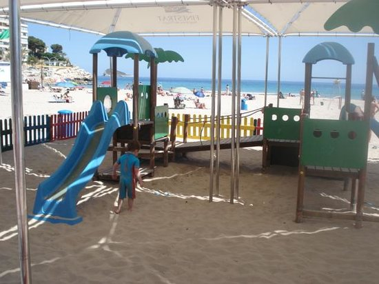 Benidorm: Lovely shady play area