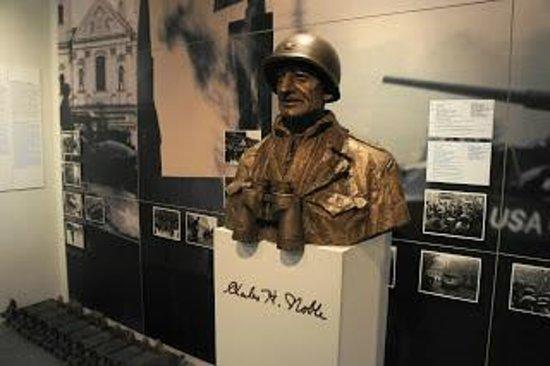 George Patton Memorial Museum : パットン将軍の胸像