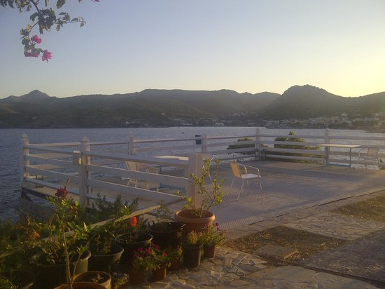 Kavos Bay Seafront Hotel: the view from the veranda 2