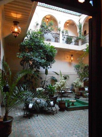 Riad Massiba: Courtyard