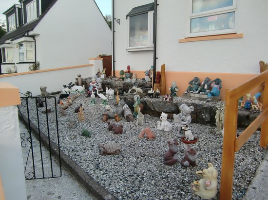 Ceol-na-Mara: Garden in front