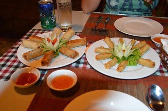 Golden Lotus Restaurant: Sprinrolls!