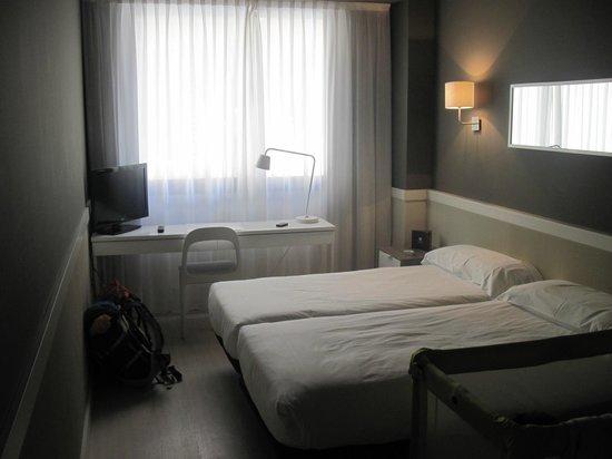 Hotel Paral - lel: Camera molto spaziosa