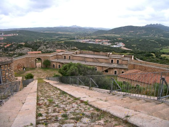 La Fortezza di Monte Altura: escalier de 171 marches et vue