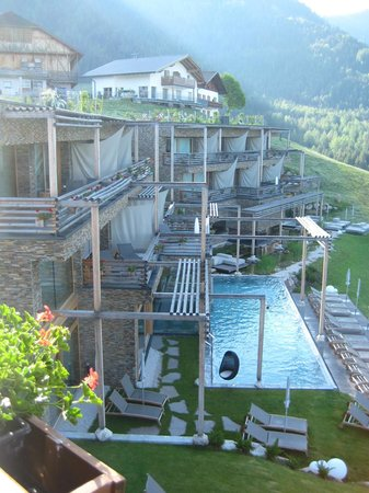 Hotel Valentinerhof: Newly built wing with wellness area and infinity pool