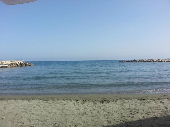 Londa Hotel : View from the beach