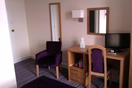 The Ayre Hotel: lovely modern room