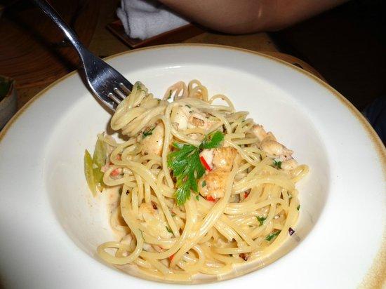 Sami Sami: Spaghetti with lobster, red chili, leek white wine sauce
